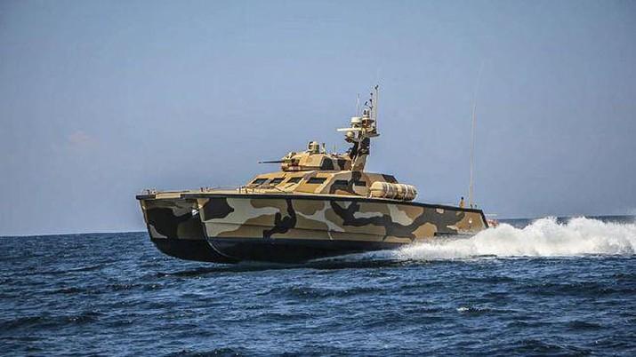 Tank Boat Antasena buatan Pindad telah menjalani serangkaian uji jelajah laut serta tembak senjata utama RCWS kanon kaliber 30 mm dan 2 senapan mesin 12,7 mm. (Dok: PT Pindad)