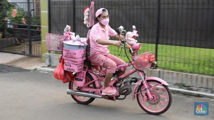 Ilustrasi Pedagang Siomay Pink. (CNBC Indonesia/Muhammad Sabki)