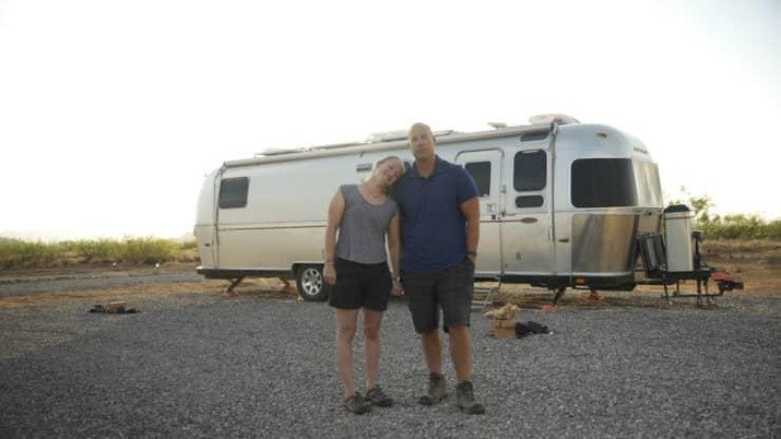 Steve dan Courtney (CNBC Make It)
