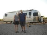 Kisah Sukses Pasangan Milenial, Pensiun Dini di Usia 30 Tahun