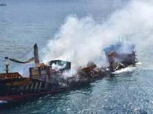 Potret Kapal Kargo Kimia Terbakar dan Tenggelam di Sri Lanka