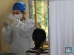 Melihat Warga 18 Tahun ke Atas Vaksinasi Covid-19 di Jakarta