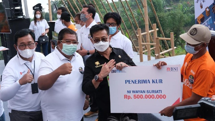 Program Milenial Smartfarming di Desa Gobleg, Kecamatan Banjar, Kabupaten Buleleng, Provinsi Bali. (Dok. BNI)