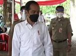 Jokowi dan Ridwan Kamil Cek Vaksinasi Massal di Bekasi