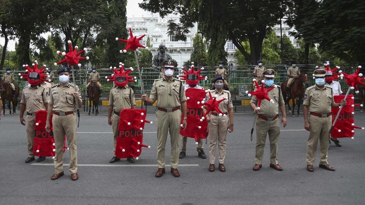 Pelonggaran lockdown di India. (AP/Channi Anand)