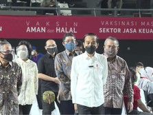 Vaksinasi 100.000 Pelaku Jasa Keuangan, Ini Target Jokowi!