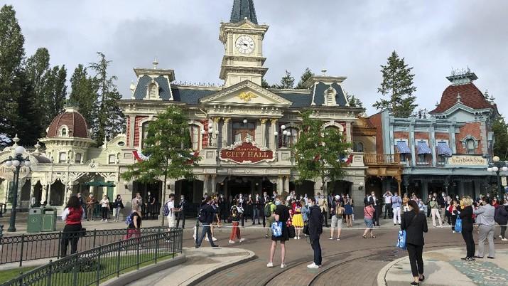 Disneyland Paris. (AP/Catherine Gaschka)