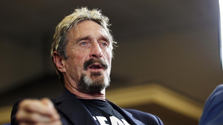 FILE - In this Wednesday, Sept. 9, 2015, file photo, John McAfee announces his candidacy for president in Opelika, Ala. McAfee, the outlandish security software pioneer who tried to live life as a hedonistic outsider while running from a host of legal troubles, was found dead in his jail cell near Barcelona , Spain, on Wednesday, June 23, 2021. His death came just hours after a Spanish court announced that it had approved his extradition to the United States to face tax charges punishable by decades in prison, authorities said. (Todd J. Van Emst/Opelika-Auburn News via AP, File)