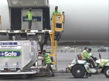 Titah Luhut, Vaksin AZ Hibah Jepang untuk Daerah PPKM Darurat
