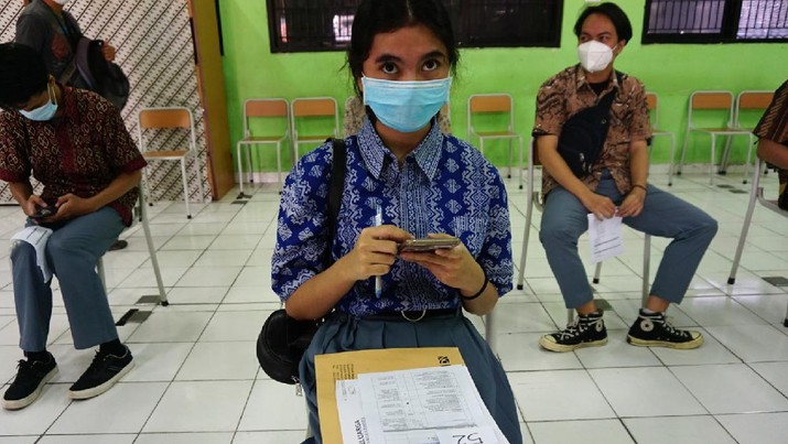 vaksinasi anak 12-17 tahun (CNBC Indonesia/Tri Susilo)
