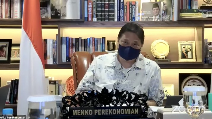 Airlangga Hartanto memberikan konferensi pers tentang Perpanjangan dan Pengetatan PPKM Mikro. (Dok: Tangkapan layar Youtube Perekonomian RI)