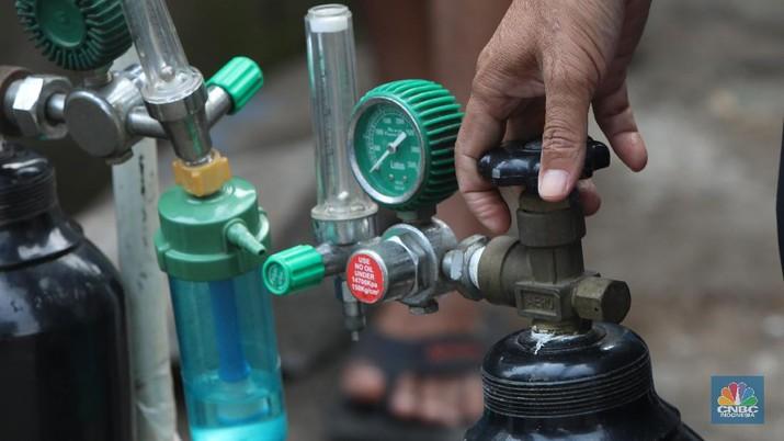 Ilustrasi pengisian oksigen (CNBC Indonesia/Andrean Kristianto)