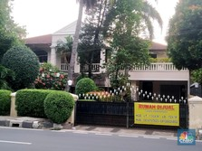 Rela Tekor! Rumah Tetangga Andre Taulany Diobral Murah
