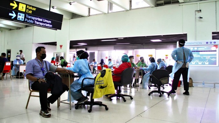 Vaksinasi di Bandara Soetta, 9 Juli 2021, dok AP 2