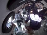 Penerbangan Antariksa Richard Branson Langgar Aturan?