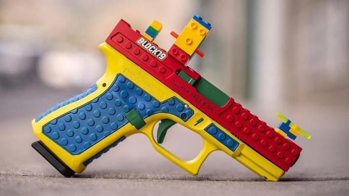 Senjata Block19 yang terbuat dari mainan Lego. (Tangkapan Layar Instagram @culperprecision)