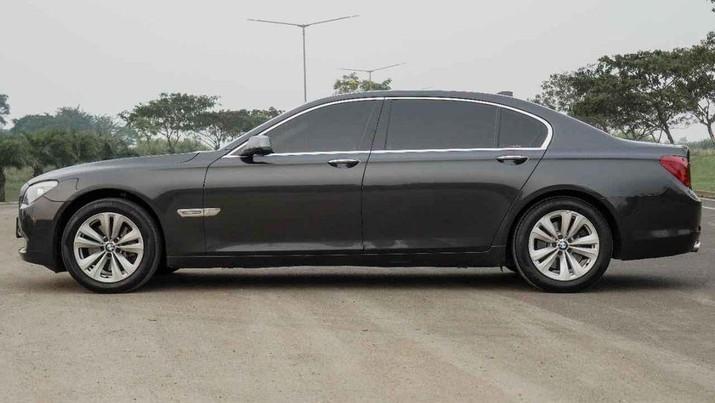 2012 BMW Series 7 dijual Rp 390.000.000 pemililk akun Probo Stiawan (Facebook)