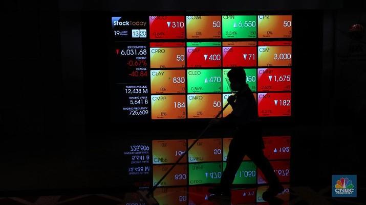 Ilustrasi Bursa Efek Indonesia, Senin (19/7/2021) (CNBC Indonesia/ Tri Susilo)