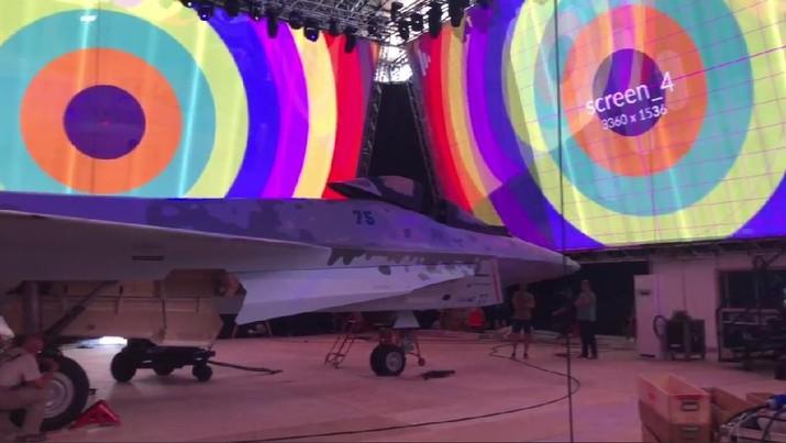 Ini adalah gambar komposit CheckMate yang diubah secara digital (untuk menonjolkan bentuk pesawat). (Tangkapan Layar via @Сообщений / Paralay-Forum)