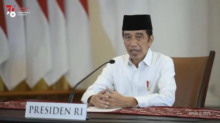 Presiden Jokowi Saat Takbir Akbar Hari Raya Idul Adha 1442 H/ 2021 M, 19 Juli 2021. (Tangkapan Layar Youtube Sekretariat Presiden)