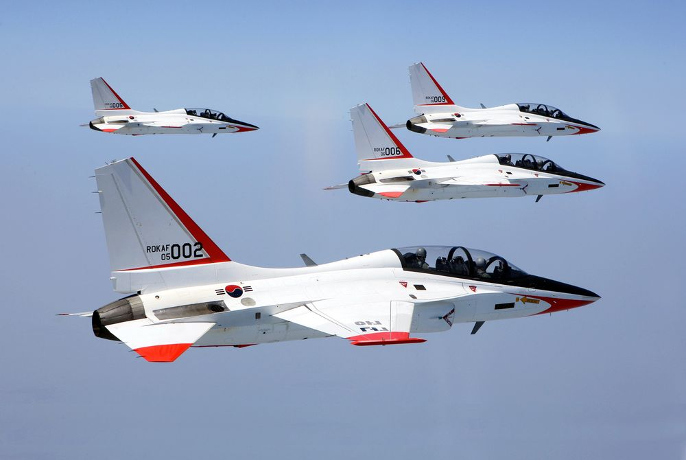 South Korea's first domestically manufactured Supersonic Trainer Jets T-50 fly in formation during the first advanced flight training exercise using the high-tech trainers for pilots of the 1st Fighter Wing based in Kwangju, south of Seoul, Tuesday, April 17, 2007. The government plans to increase the number of T-50 aircraft deployed from the current 13 to 50 next year. (AP Photo/Yonhap, Hyung Min-woo)  ** KOREA OUT **