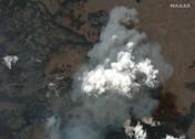 Kebakaran Hutan Besar Landa AS, Bangunan & Mobil Hangus