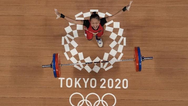 Windy Cantika Aisah menyumbang medali perunggu untuk kontingen Indonesia di Olimpiade Tokyo 2020. (AP/Luca Bruno)