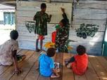Potret Satgas Yonif 512/QY Ajak Belajar Anak-anak Papua