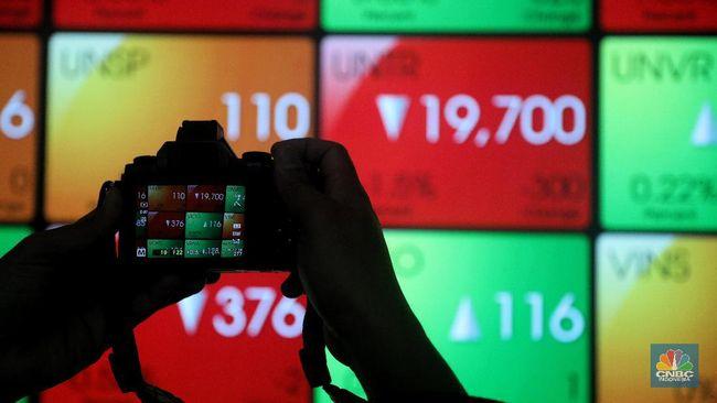 2 Stocks 'Sleeper' Top Winners, REAL-OILS Crashes