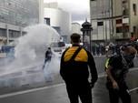 Ribuan Demonstran Tolak Kartu Sehat di Prancis Berujung Ricuh
