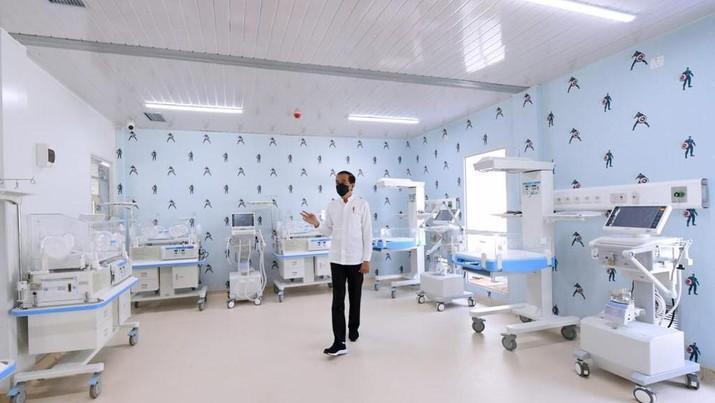 Presiden Republik Indonesia, Joko Widodo hari ini meresmikan Rumah Sakit (RS) Modular Pertamina di Tanjung Duren, Jakarta Barat, yang dibangun Pertamina atas inisiasi Kementerian Badan Usaha Milik Negara (BUMN).