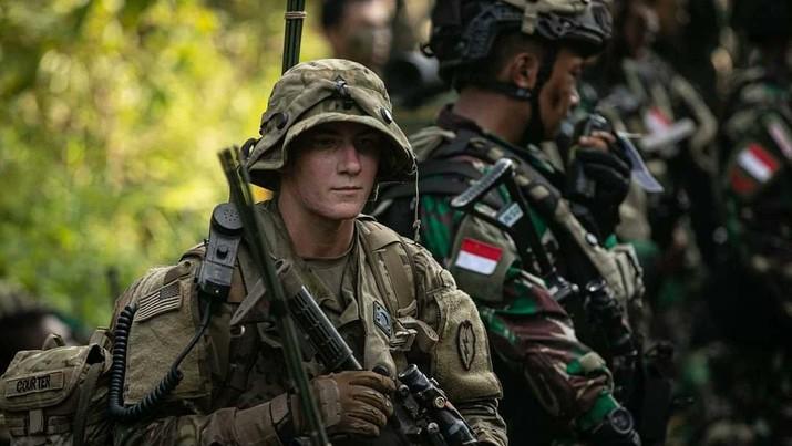 Latihan bersama Prajurit Angkatan Darat AS dengan Tentara Nasional Indonesia (TNI) Angkatan Darat di Baturaja, Sumatera Selatan. (Tangkapan Layar Twitter @@25thID)