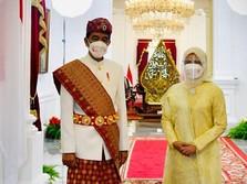 Pakai Baju Adat Lampung, Jokowi Pimpin Upacara HUT ke-76 RI