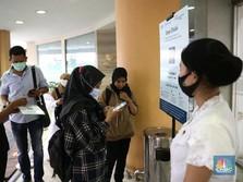 Cuma di RI, Ribuan Orang Positif Covid Jalan di Mal