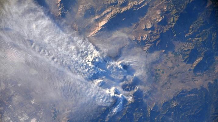 Penampakan bumi dari Luar Angkasa (Astro_Megan via Space_Station)