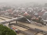 Singapura Banjir Bandang: Jalan Jadi Sungai, Air Masuk Mal