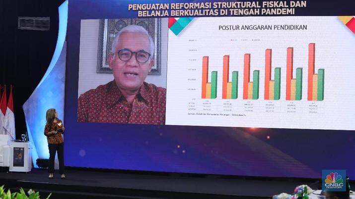Deputi Kemenko PMK, R. Agus Sartono di acara Sarasehan 100 Ekonom. (CNBC Indonesia/Tri Susilo)