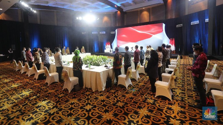 Presiden RI Jokowi di acara Sarasehan 100 Ekonom (CNBC Indonesia/Tri Susilo)
