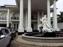 Banyak 'Istana' Orang Kaya di DKI Dilelang Bank, Tanda Apa?