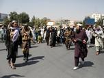 Ngeri! Taliban Todongkan Senjata Bubarkan Demo di Afghanistan