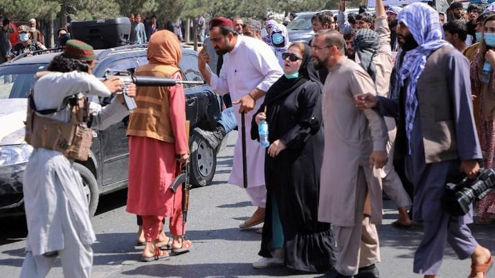 Pasukan Taliban. (REUTERS/STRINGER)