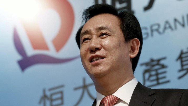 FILE PHOTO: Hui Ka Yan, chairman of Evergrande Real Estate Group Ltd, the country's second-largest property developer by sales, attends a news conference on annual results in Hong Kong, China March 29, 2016.      REUTERS/Bobby Yip/File Photo