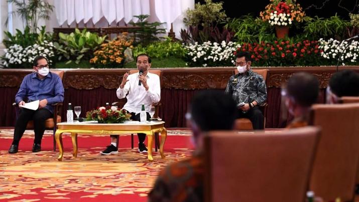 Presiden Joko Widodo terima Perhimpunan Insan Perunggasan dan Peternak Ayam Petelur, 15 September 2021. (Biro Pers Sekretariat Presiden/ Lukas)