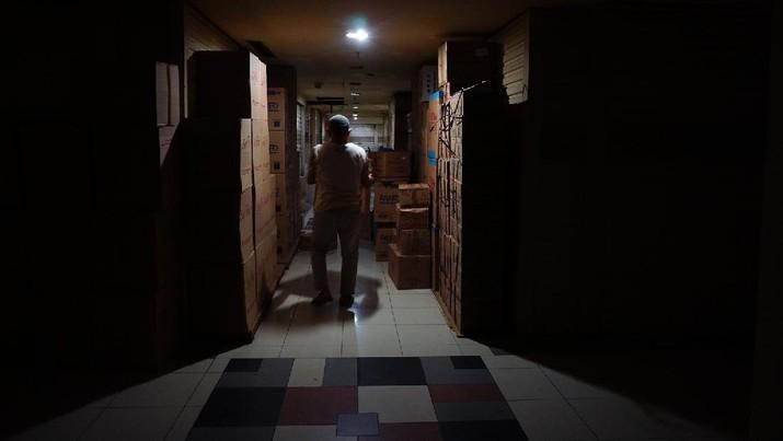 Ruko Pasar Tradisional yang tutup (CNBC Indonesia/Tri Susilo)
