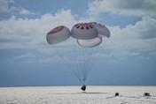 Potret Astronaut SpaceX yang Baru Kembali dari Luar Angkasa