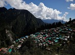 Mendaki Gunung Lewati Lembah, Potret India Genjot Vaksin