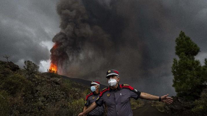 Meningkatnya aktivitas gunung berapi Cumbre Vieja. (Satellite Image ©2021 Maxar Technologies via AP)