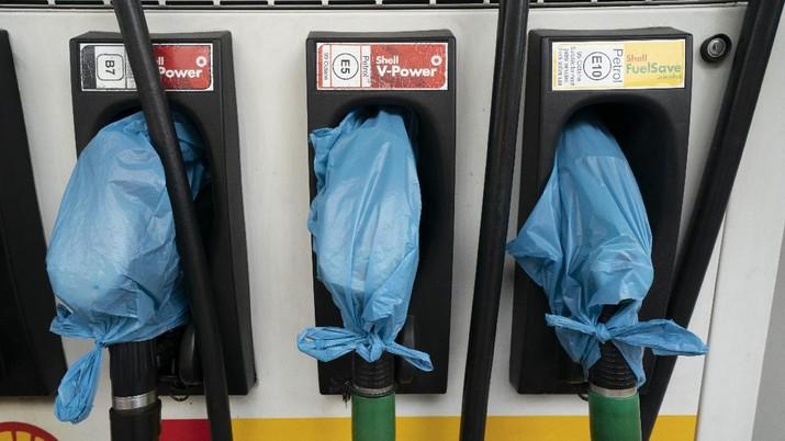 Krisis bahan bakar minyak (BBM) di Inggris. (AP/Jon Super)