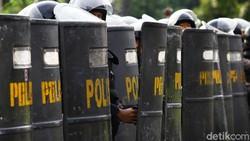 Pentung Kepala Mahasiswa Bikin Polisi di NTB Terancam Sanksi-Pidana