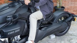 Viral Insiden Baim Wong Marahi Kakek, Motor Roda Tiganya Curi Perhatian